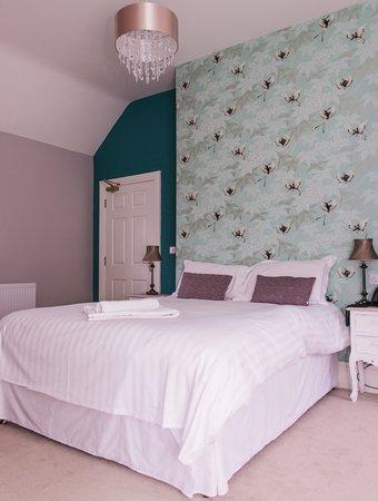 Healing Manor Hotel: Emily's Room