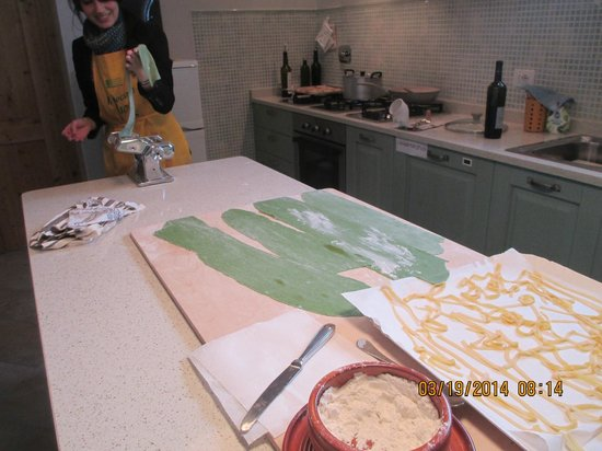 Fun in Tuscany: Making our own pastas!