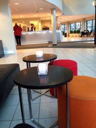 Anker Hotel: холл и ресепшн