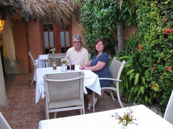 Casa Valeria Bring Your Own Wine Restaurant : Outdoor area