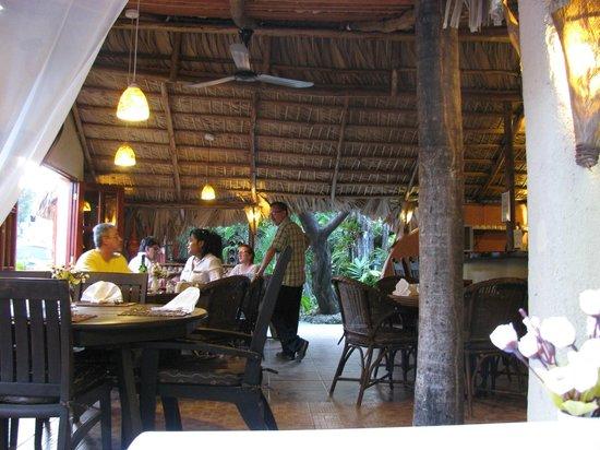 Casa Valeria Bring Your Own Wine Restaurant : Indoor tables