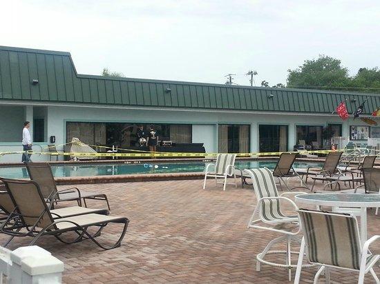 Ramada Sarasota: pool closed