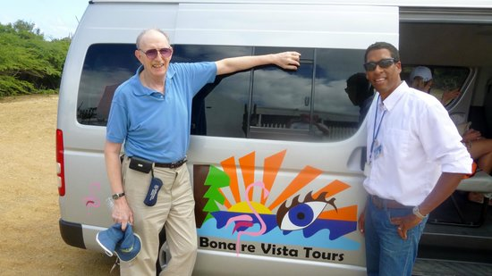 Bonaire Vista Tours: Brian (right) and I (left) and the van