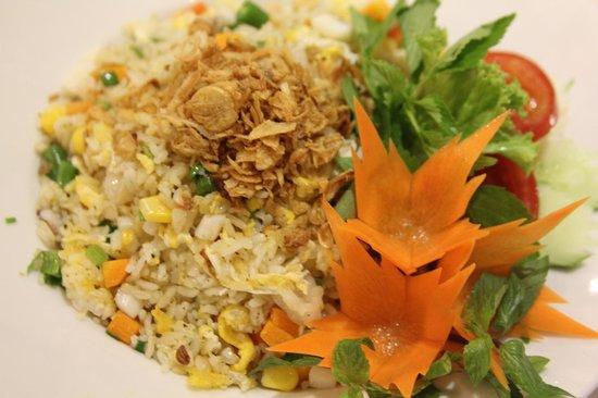 Purple Cherry Restaurant : Fried rice (chicken/ seafood/ beef/ vegetable)