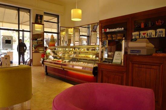 Patisserie Amandine Marrakech : Patisserie Amandine Inside