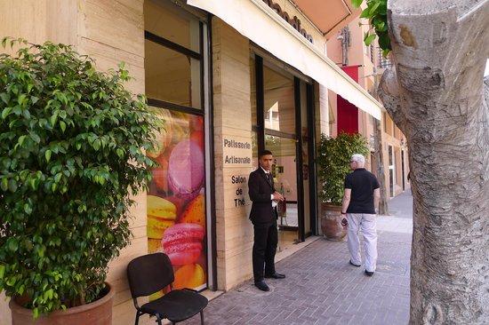 Patisserie Amandine Marrakech : Patisserie Amandine Outside