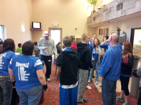Comfort Suites Foxfire : excitement in breakfast area