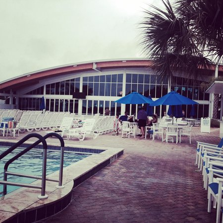 Sun N Fun Resort and Campground : Pool and gym and wellness senter building