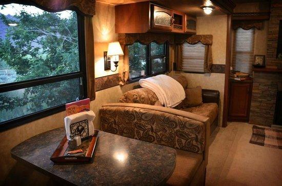 Harmony Farm & Guesthouse: Adventure Base Camp