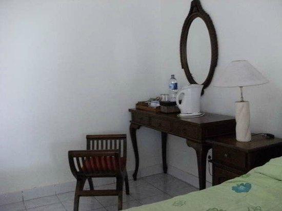 Pacung Indah Hotel & Restaurant: 家具もステキです
