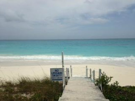 Exuma Palms Hotel: Beautiful beach at hotel- almost always have to yourself