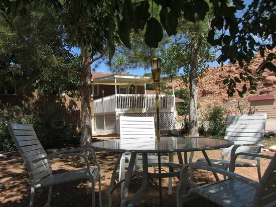 Harmony Farm & Guesthouse: Outdoor Lounging Areas