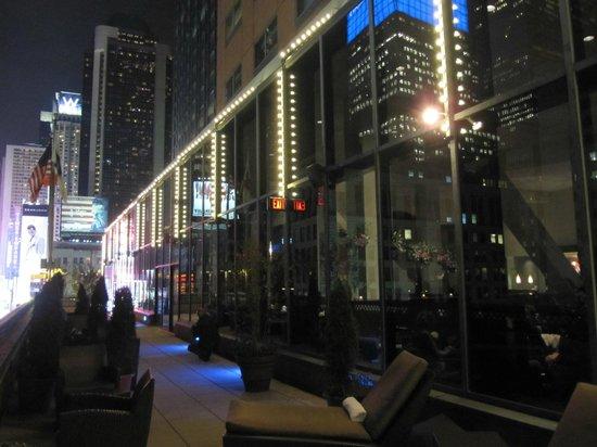 Novotel New York Times Square: Varanda do hotel