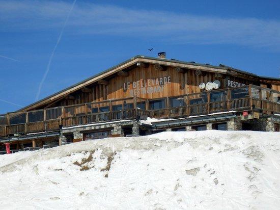 Le Bellevarde Restaurant : Une terrasse exceptionnelle sur un panorama grandiose