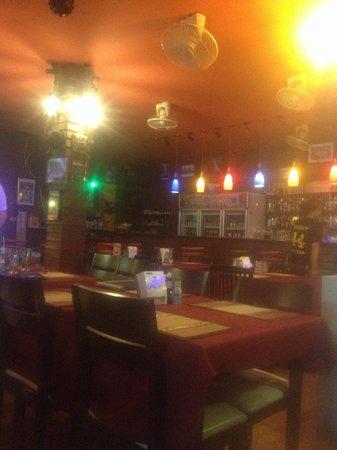Danny's Bar Restaurant 44: Danny 44 bar. Super hygge og dejlig musik- hurtig betjening og servering af mad.