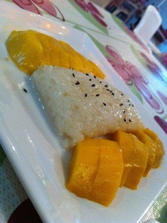 Ruenmayura Hostel: mango sticky rice