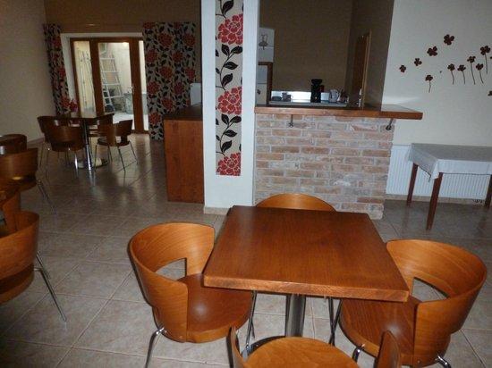 Penzion Solnice: breakfast area