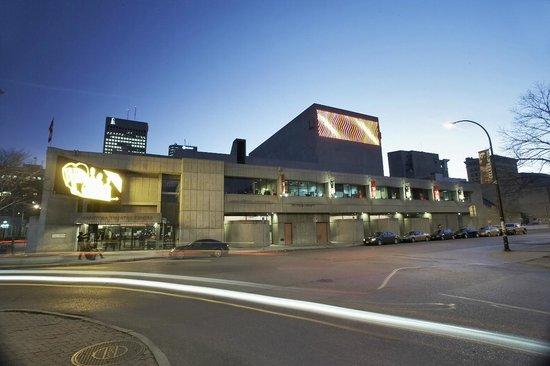 Manitoba Theatre Centre (MTC) : Photo by Grajewski Photograph Inc.