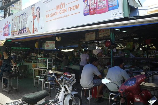 Khoi 2 Hotel: 골목을 나오면