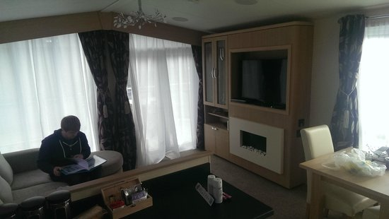 "Mullion Cove Lodge Park: 40"" TV, Fireplace, Wii, DVD player, doors onto decking area"