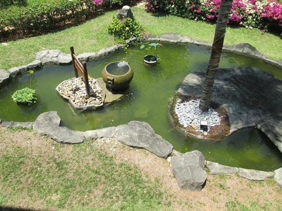 Holiday Villa Beach Resort & Spa Langkawi: garden view from room