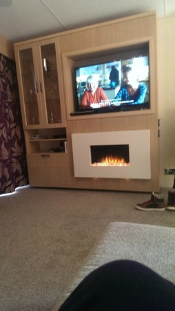 """Mullion Cove Lodge Park : 40"""" TV, Wii, DVD Player, Fireplace"""