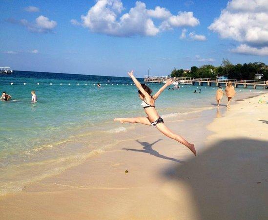 Beaches Ocho Rios Resort & Golf Club : Beautiful beach, clear water