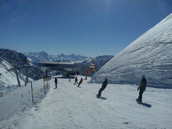 Grischa - DAS Hotel Davos: skiing heaven