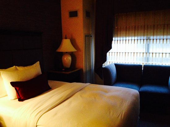 The Whitehall Hotel: Double bed