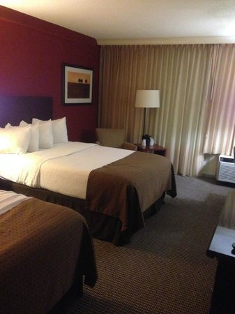 Holiday Inn Strongsville: Double beds