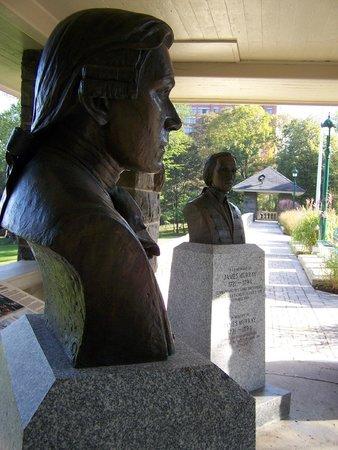 Battlefields Park (Parc des Champs-de-Bataille) : Les bustes de Lévis et Murray(1760), Parc des Braves, Parc des Champs-de-Bataille