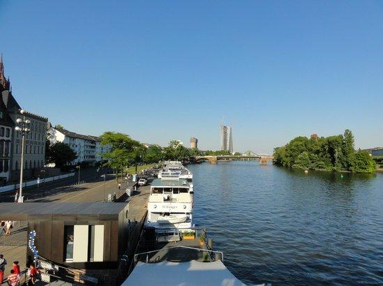 Romer: rio principal da cidade