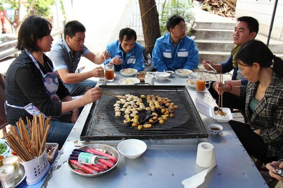 Yunnan Taste Tourism Service : opportunity to try local food at Jianshui