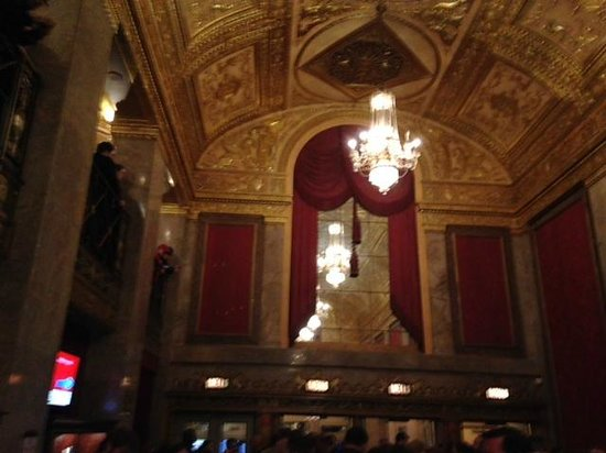 Warner Theatre: Theater Lobby Ceiling