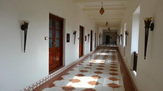 Hotel Maharaj Ganga Mahal : Un beau couloir