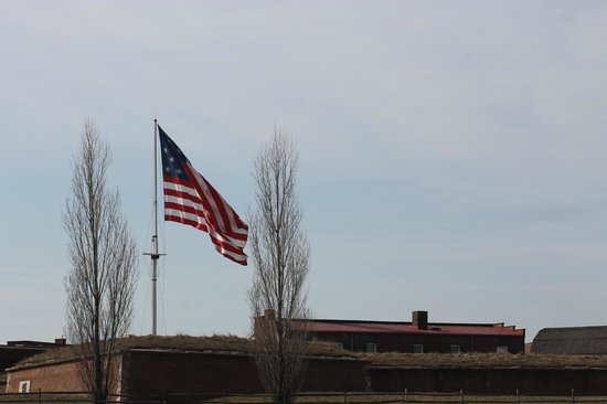 Fort McHenry National Monument : The Star Spangled Banner