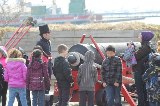Fort McHenry National Monument : Tagging along with the school trip!