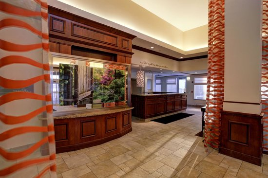 Hilton Garden Inn Chicago Midway Airport: Front Desk