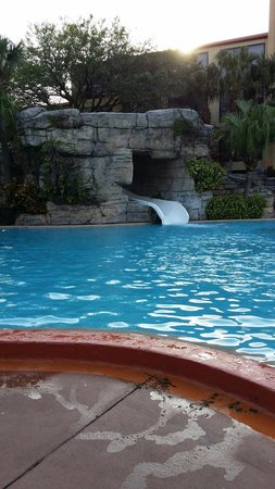 Radisson Resort Orlando-Celebration: Pool slide
