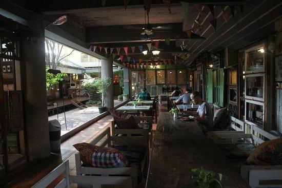 Phranakorn-Nornlen Hotel: The restaurant/lobby