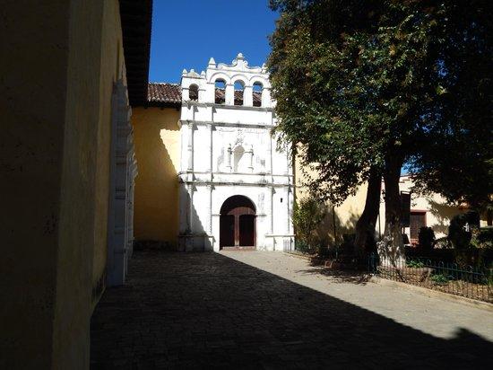 Templo del Carmen: main emtrance
