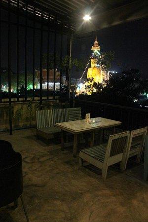 Phranakorn-Nornlen Hotel : The upstairs restaurant