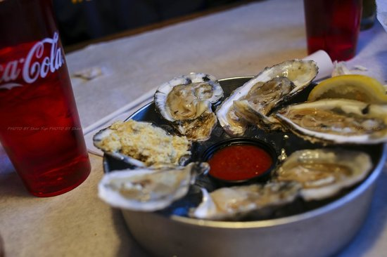 Coach's crab shack : Oysters