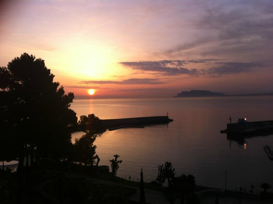 Grand Hotel Villa Igiea - MGallery by Sofitel : Sunrise from room