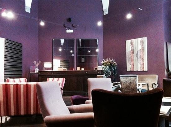 la collezione di divani della Sala delle Sibille - Bild von ...