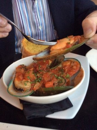Flame Bar and Grill : Green Lipped Mussels