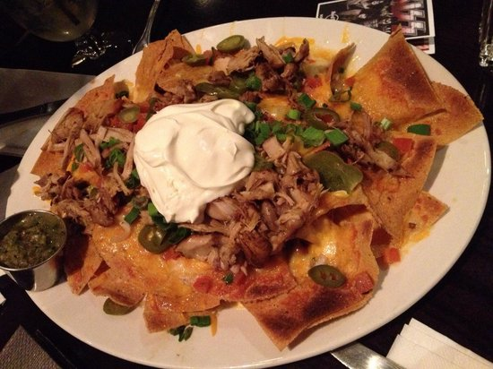 Hard Rock Cafe Berlin: Nachos con salse e carne: squisiti!