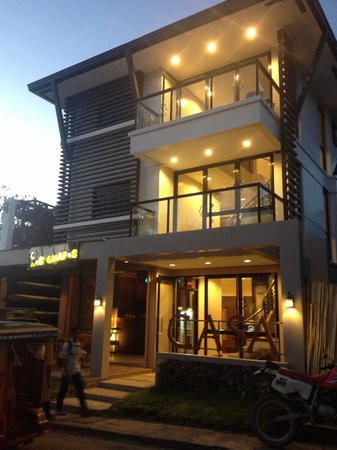 Coron Ecolodge : An expansion, CASA just in front of Ecolodge. Same owner and management