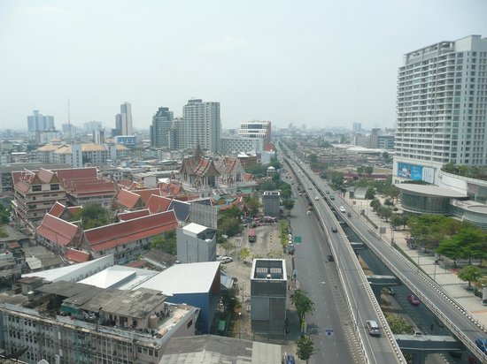 Montien Hotel Bangkok : view from our room