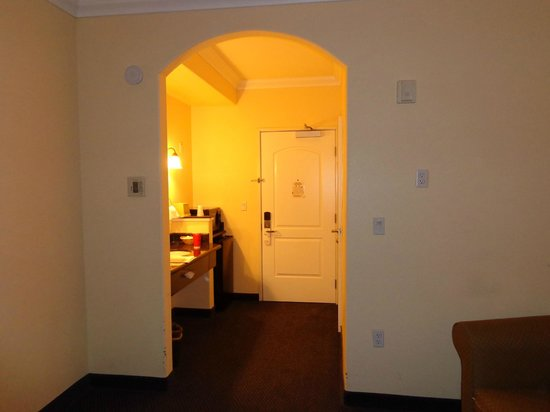Gateway Inn and Suites Hotel: Entryway